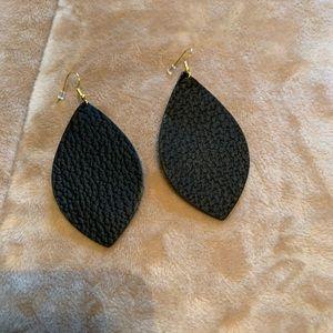 NWOT Lightweight Leather Earring
